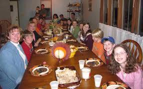 big_family_at_table
