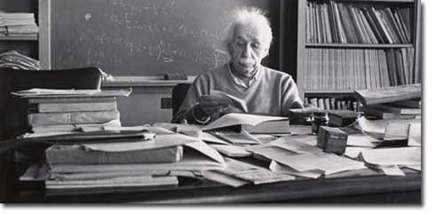 einstein-desk